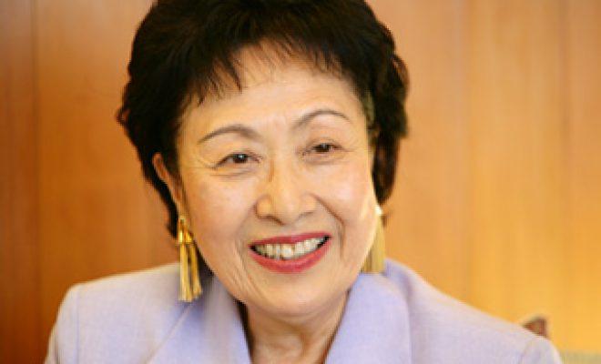おとなの本棚 85歳の曽野綾子さんが90歳の夫を在宅介護し、看取って ...